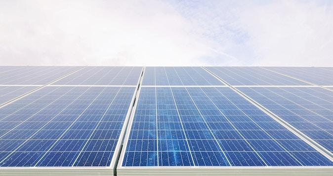 Auch für die Fertiggarage eine umweltfreundliche Stromquelle: Solarzellen